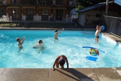 vacances avec bebe piscine chalet savoie RED