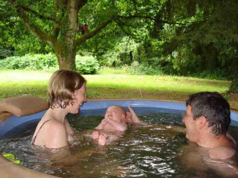 vacances-avec-bébé-dans-le-spa-37-degres