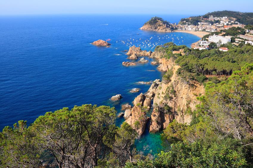 Tossa de Mar cliffs