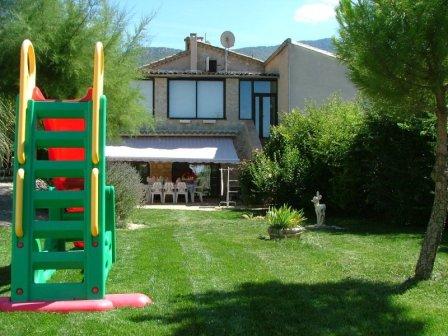 ESCF0976gite provencal drome piscine jeux enfants